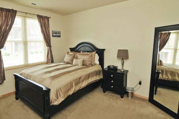 HRK_8869_bedroom_0